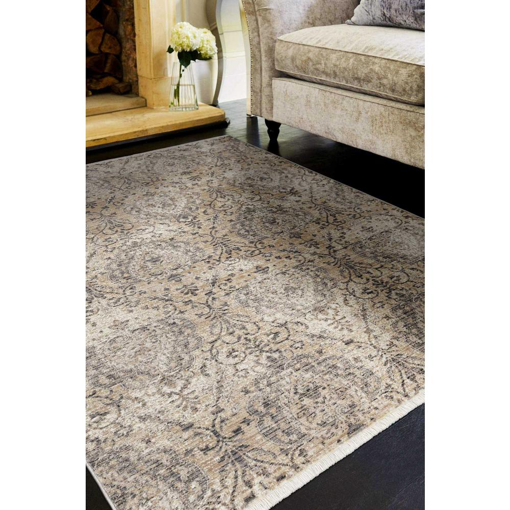 7' Sand Grey Machine Woven Distressed Traditional Round Area Rug - 375633. Picture 2