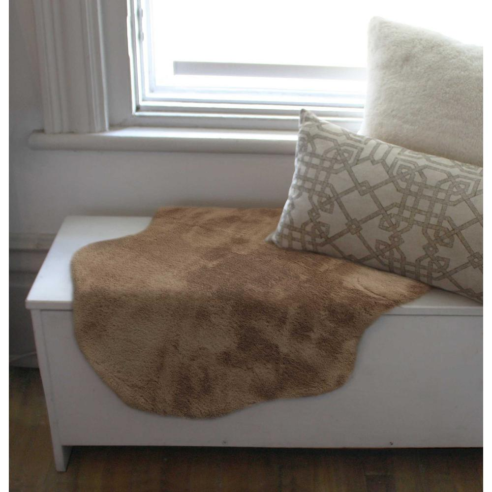 2' x 3' Taupe Faux Rabbit Fur Area Rug - 376906. Picture 5
