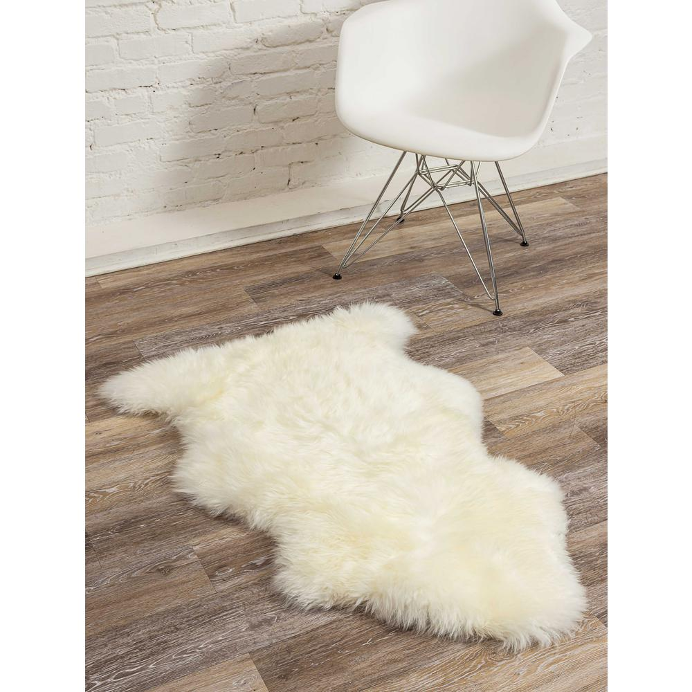 2' x 3' Ivory New Zealand Natural Sheepskin Rug - 376919. Picture 3