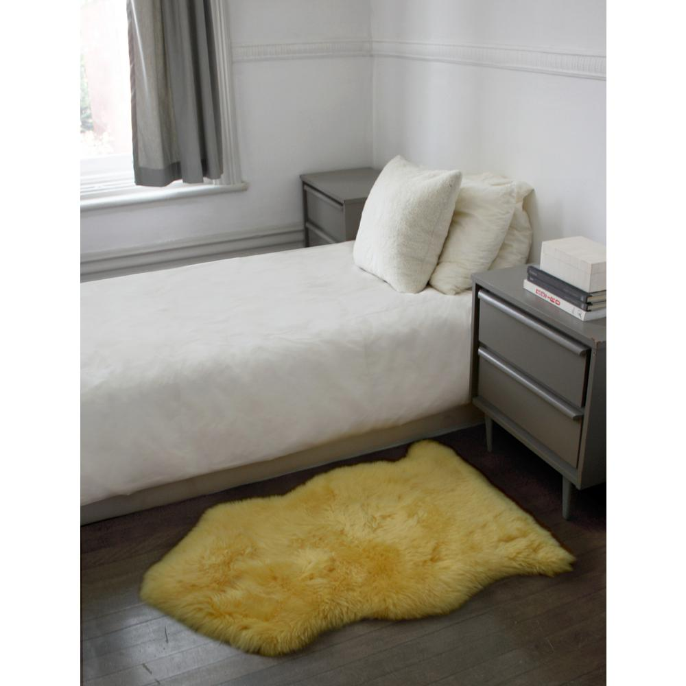 2' x 3' Yellow New Zealand Natural Sheepskin Rug - 376929. Picture 4