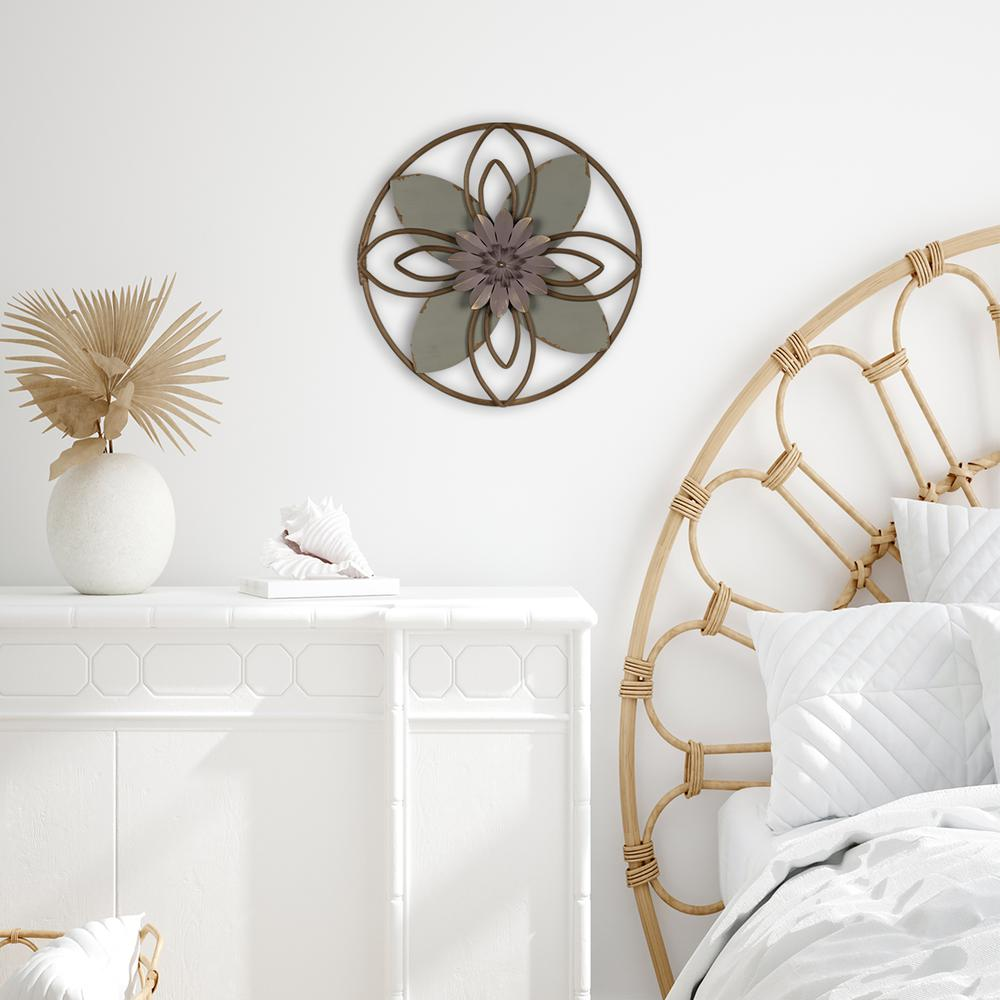 Grey and Pink Metal Flower Medallion Wall Decor - 380813. Picture 2