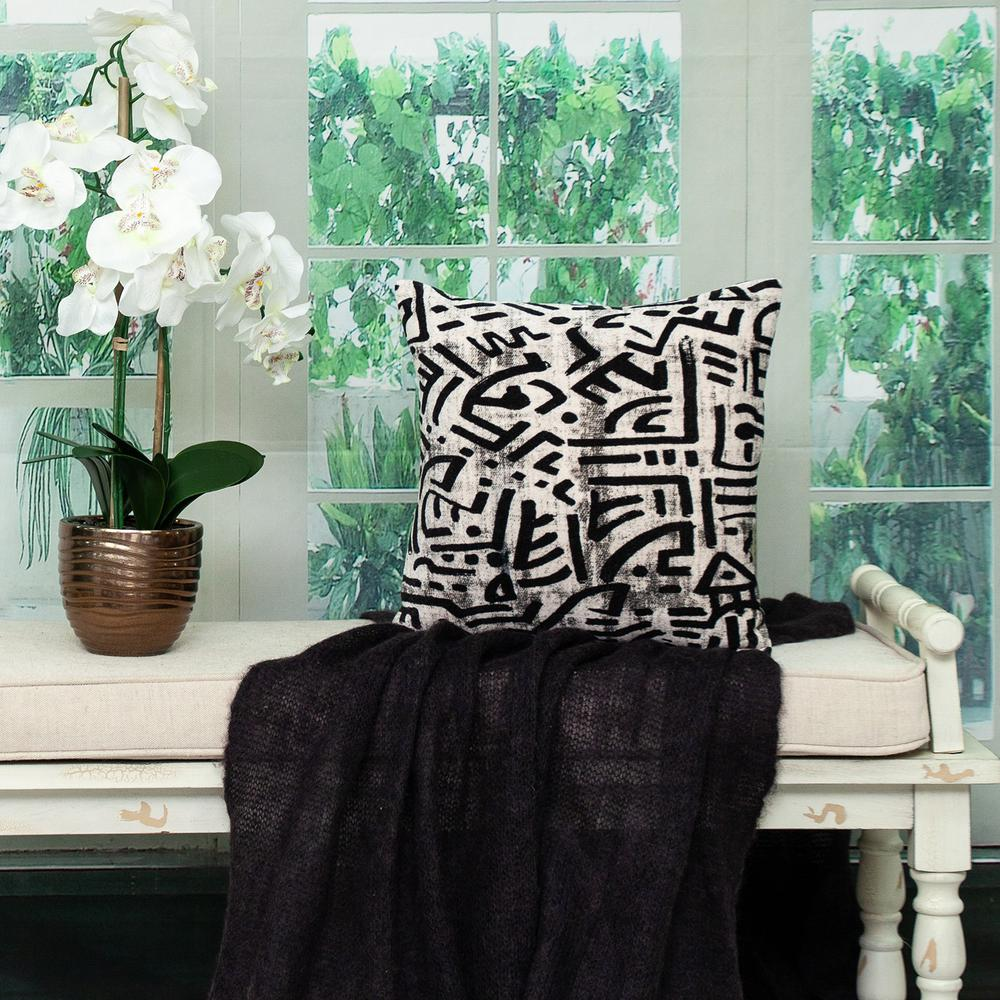 Black and White Abstract Velvet Throw Pillow - 383092. Picture 2