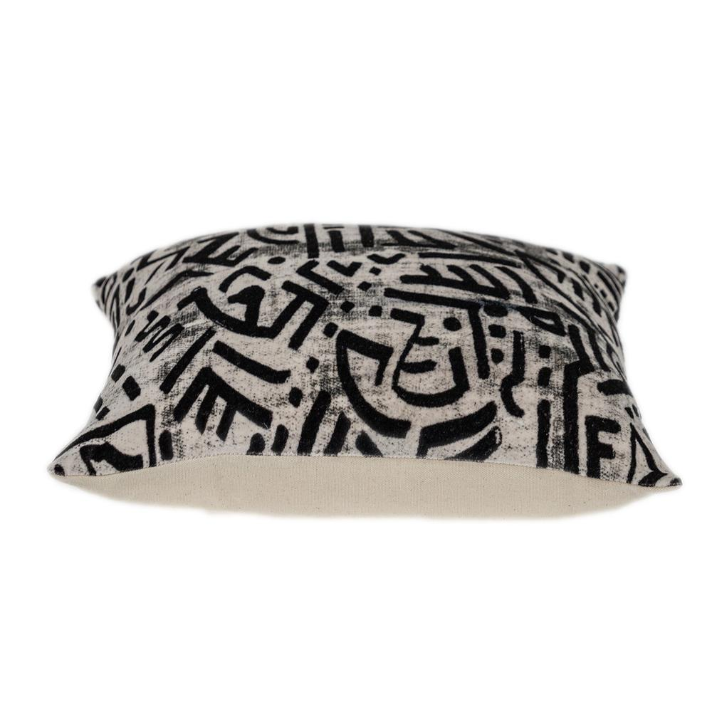 Black and White Abstract Velvet Throw Pillow - 383092. Picture 4