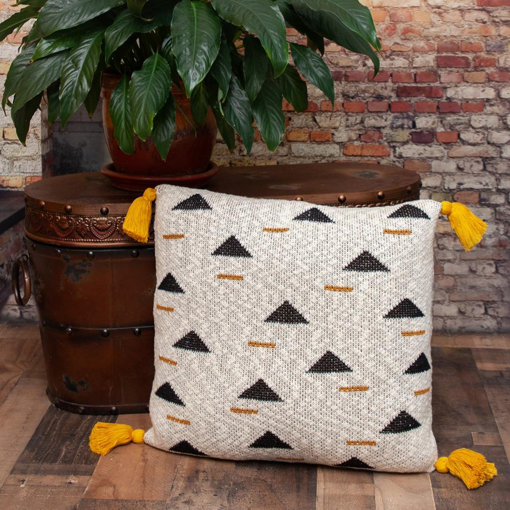 Natural Knitted Throw Pillow - 383148. Picture 2