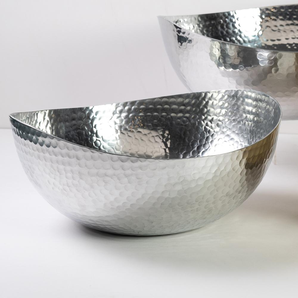 """Handcrafted 14.5"""" Hammered Stainless Steel Centerpiece Bowl - 384089. Picture 2"""