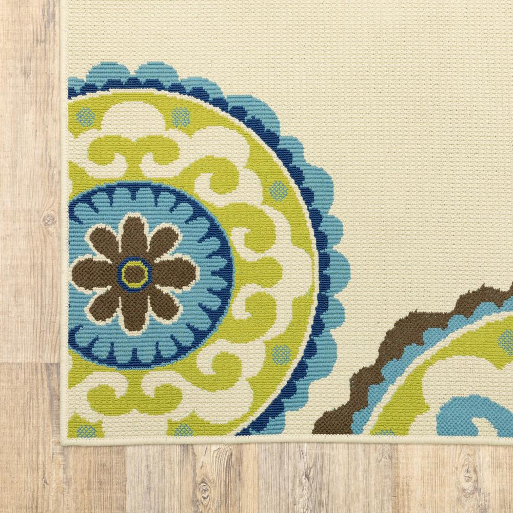 7' x 10' Ivory Indigo and Lime Medallion Disc Indoor Outdoor Area Rug - 384327. Picture 3