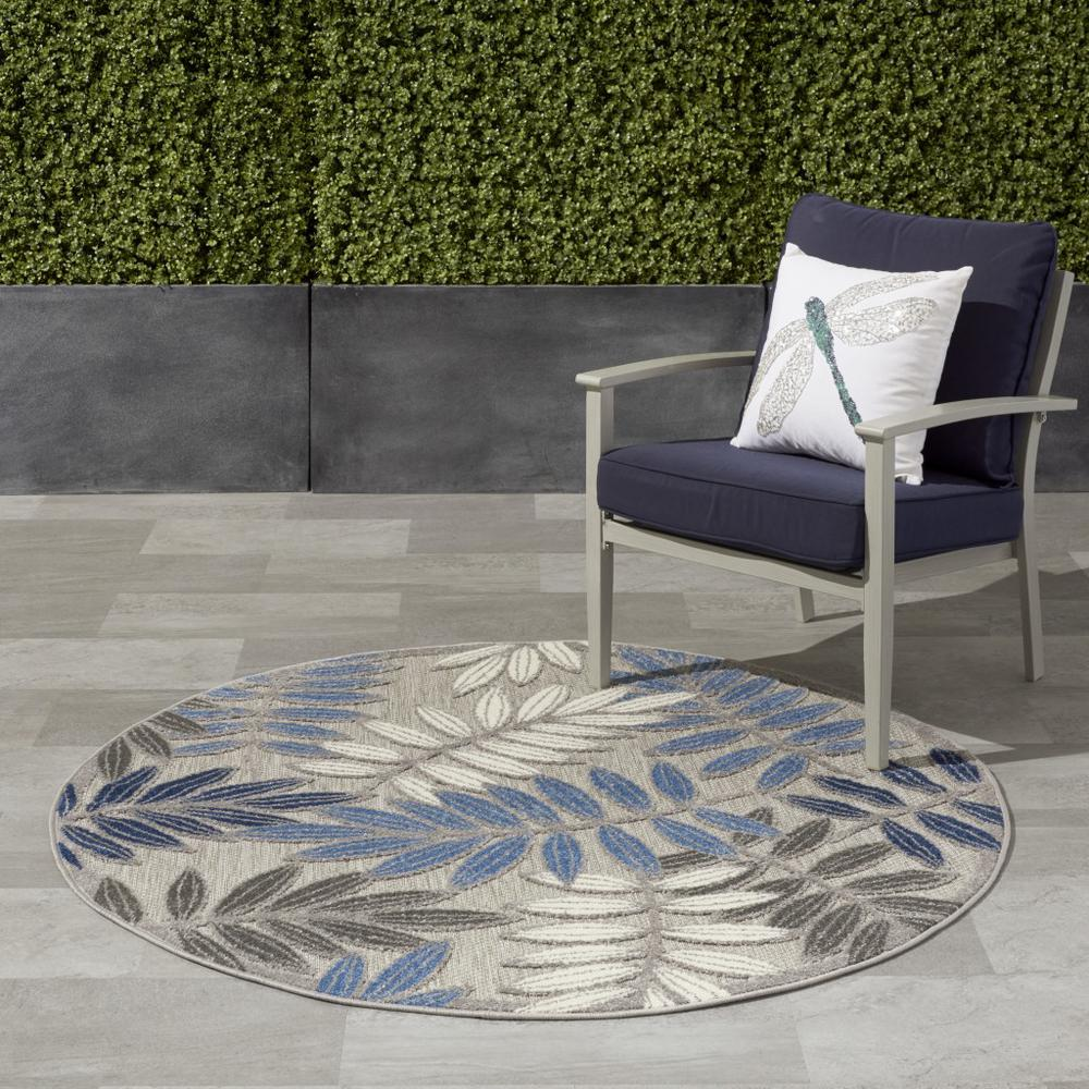 5' Round Gray and Blue Leaves Indoor Outdoor Area Rug - 384872. Picture 4