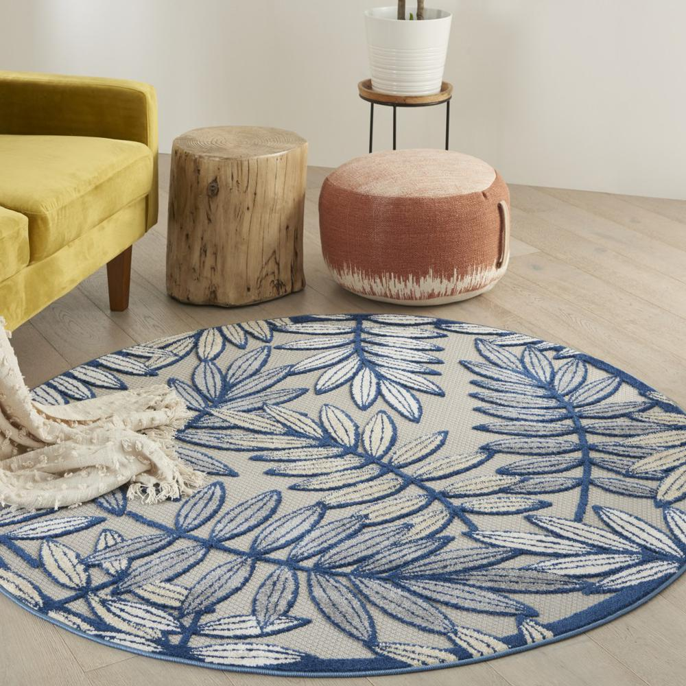 5' Round Ivory and Navy Leaves Indoor Outdoor Area Rug - 384883. Picture 2