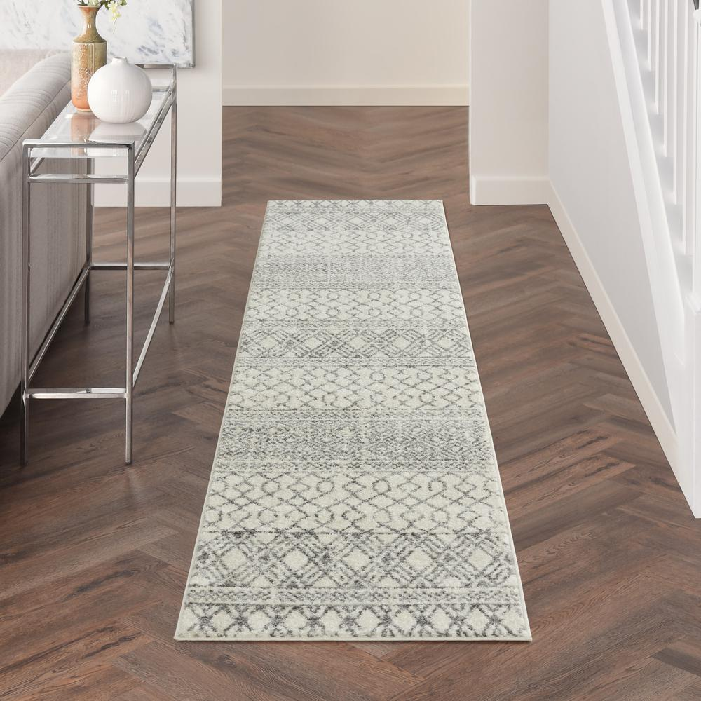 2' x 10' Ivory and Gray Geometric Runner Rug - 385770. Picture 4
