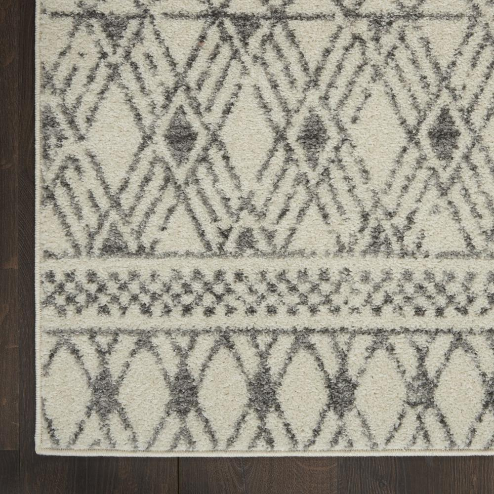 4' x 6' Ivory and Gray Geometric Area Rug - 385772. Picture 2