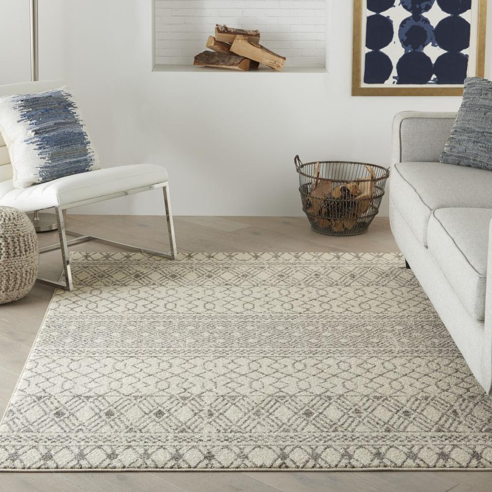 4' x 6' Ivory and Gray Geometric Area Rug - 385772. Picture 4