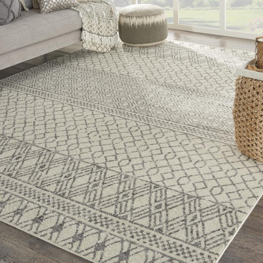 8' x 10' Ivory and Gray Geometric Area Rug - 385774. Picture 4