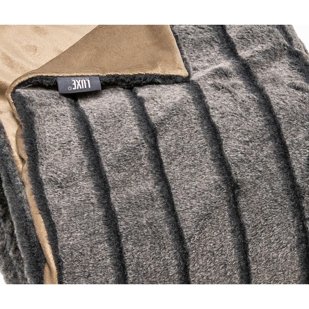 Premier Luxury Gray Stripe Faux Fur Throw Blanket - 386745. Picture 1