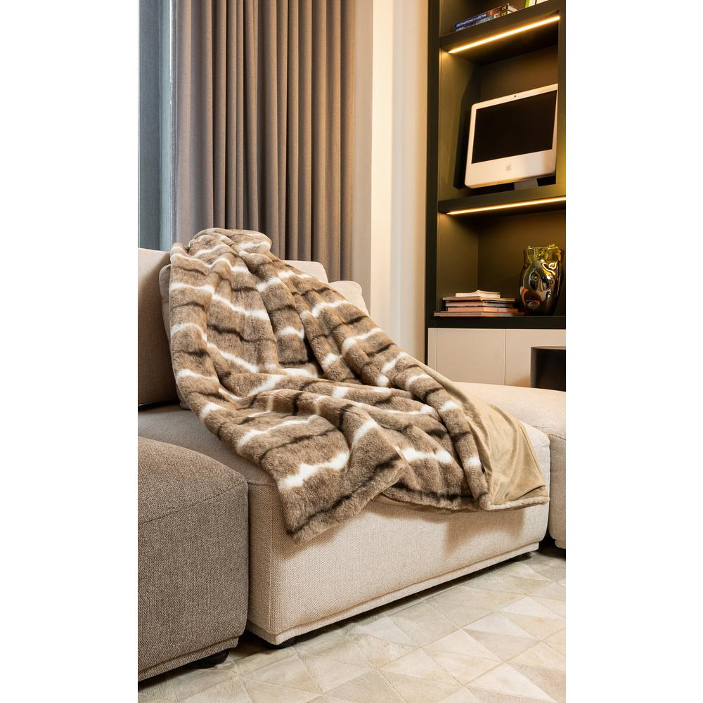 Premier Luxury Light Brown and White Faux Fur Throw Blanket - 386751. Picture 2