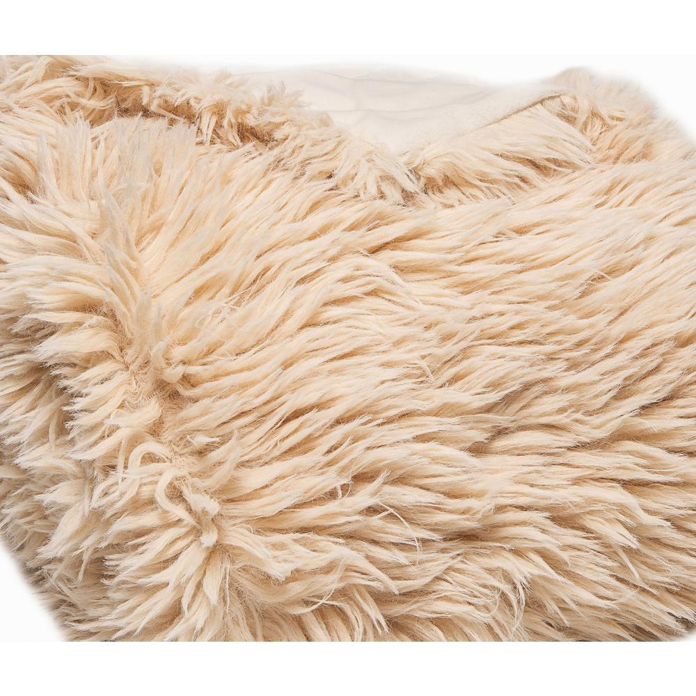 Chunky Flokati Faux Wool Off White Throw Blanket - 386752. Picture 2