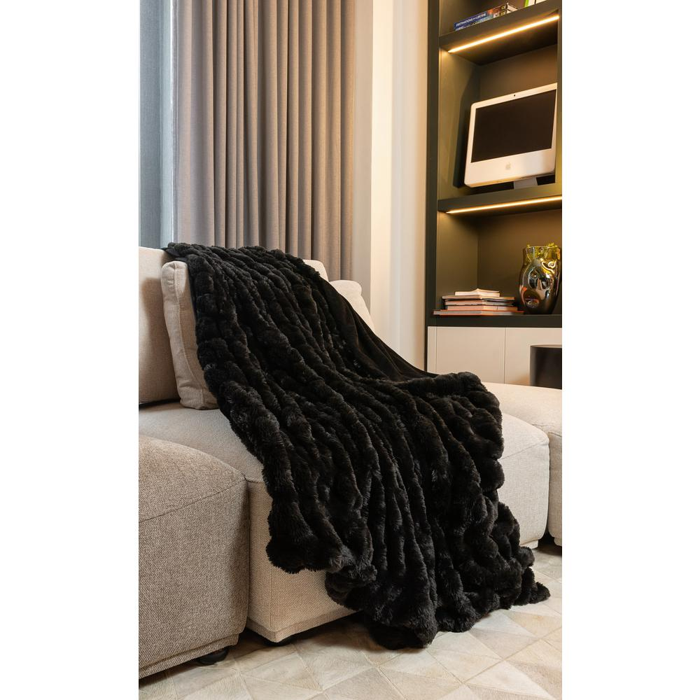 Chunky Sectioned Black Faux Fur Throw Blanket - 386753. Picture 3