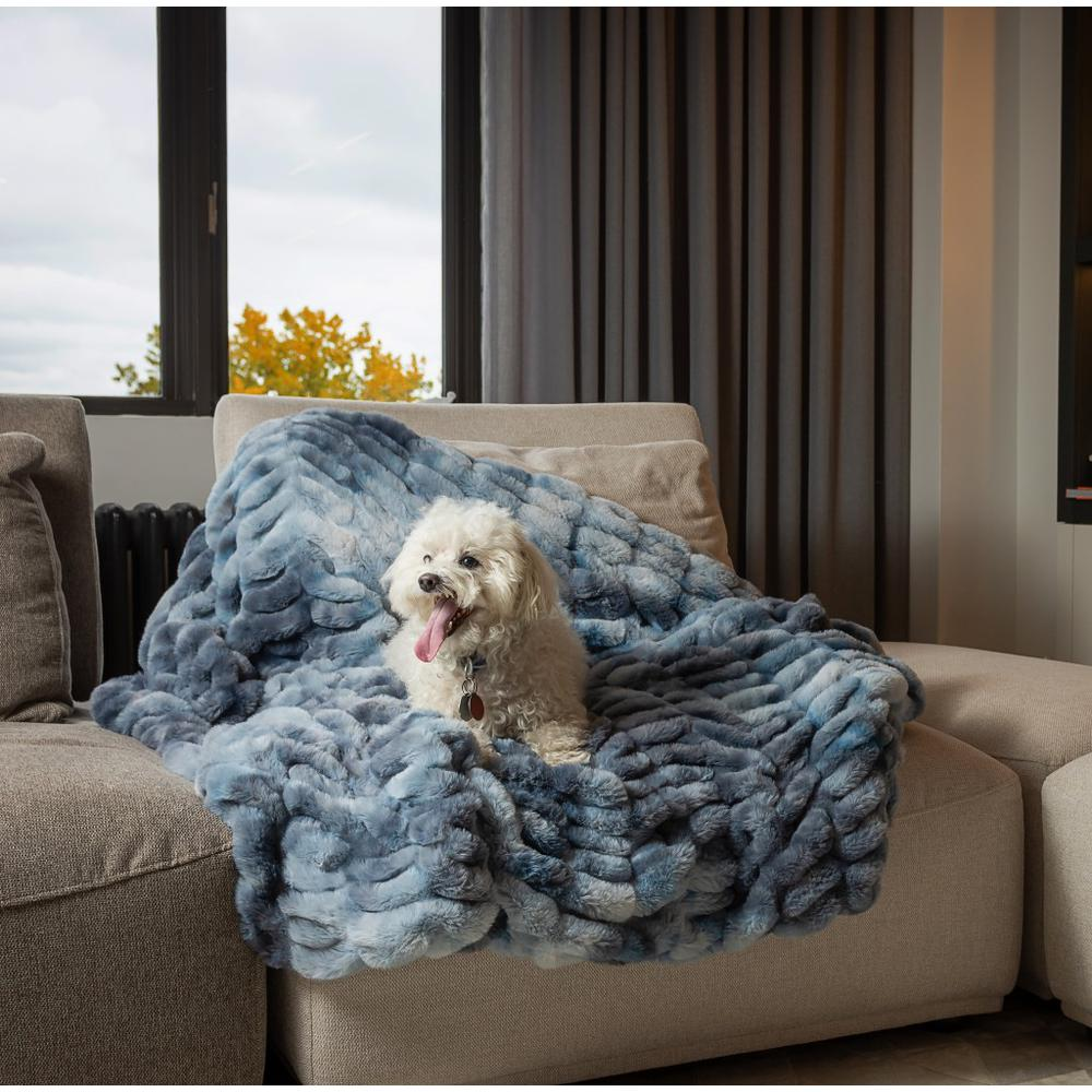 Chunky Sectioned Shades of Blue Faux Fur Throw Blanket - 386754. Picture 3