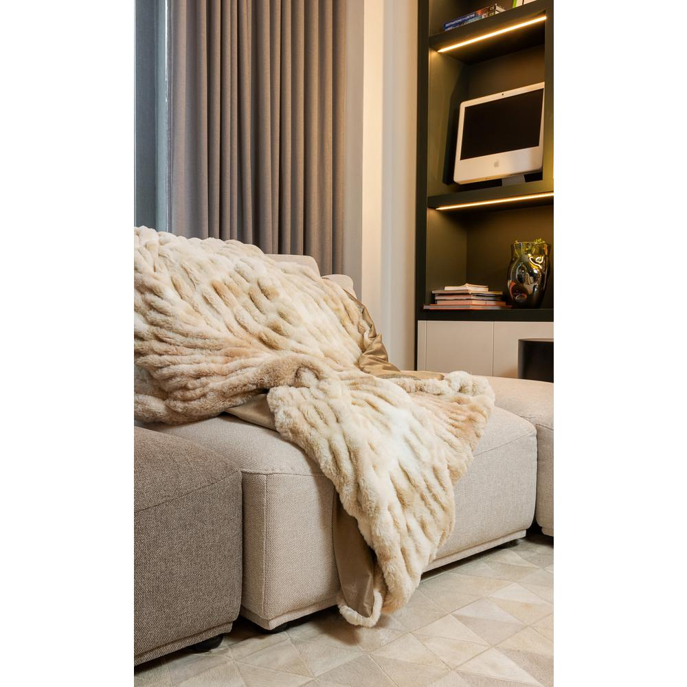 Chunky Sectioned Shades of Beige Faux Fur Throw Blanket - 386755. Picture 4