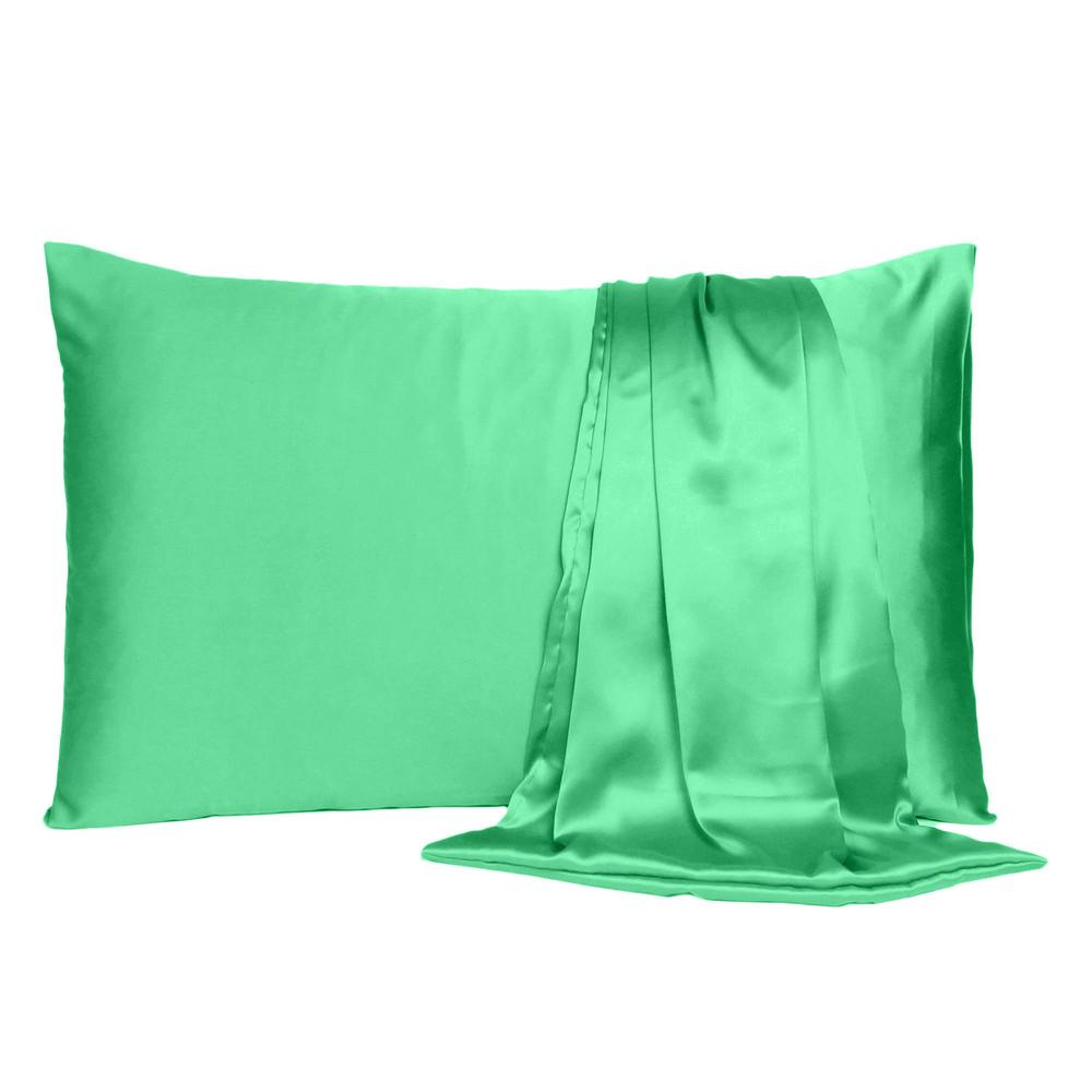 Green Dreamy Set of 2 Silky Satin Standard Pillowcases - 387875. Picture 2