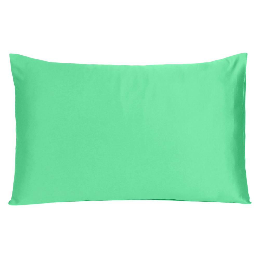 Green Dreamy Set of 2 Silky Satin Standard Pillowcases - 387875. Picture 3