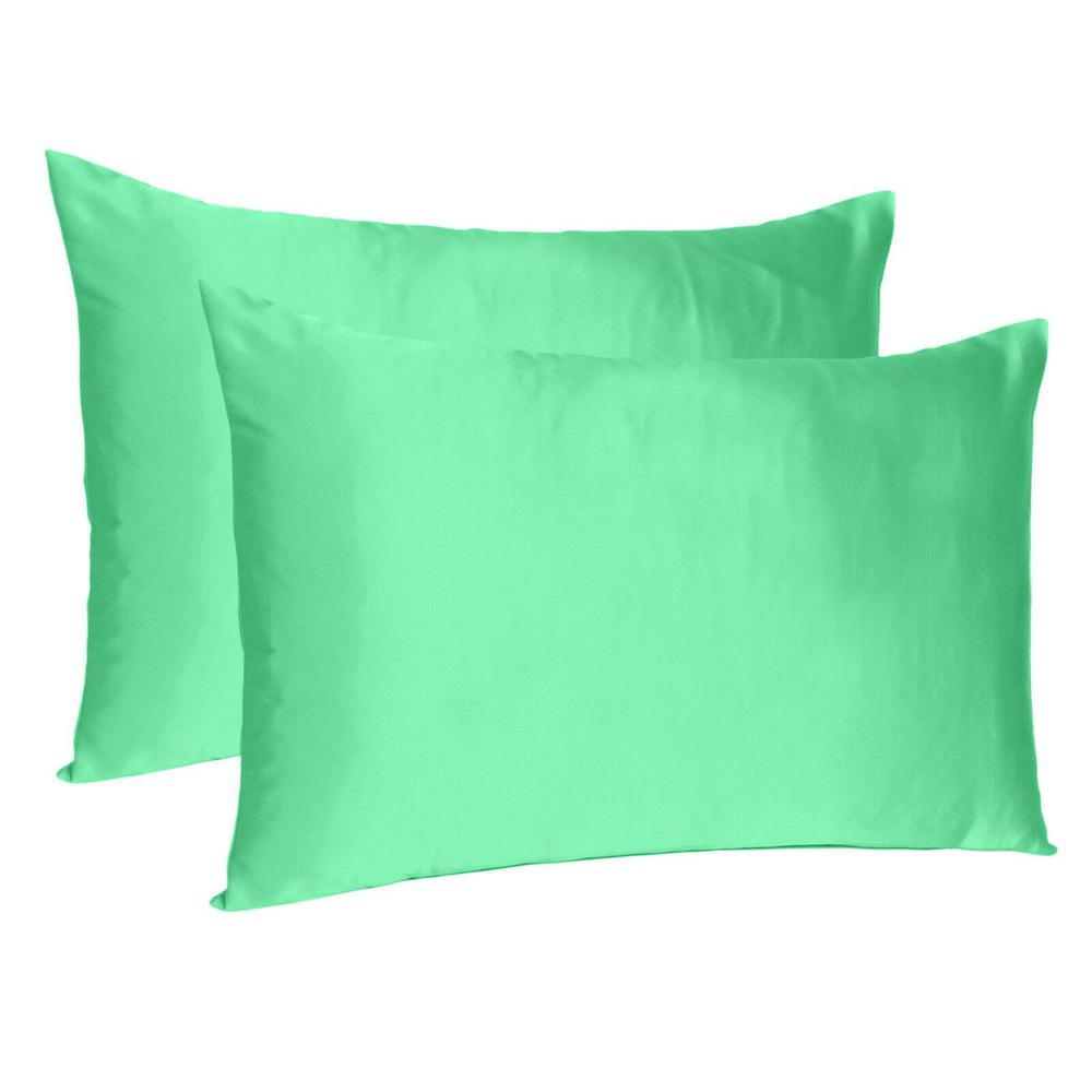 Green Dreamy Set of 2 Silky Satin Queen Pillowcases - 387904. Picture 1