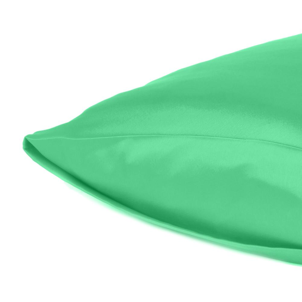 Green Dreamy Set of 2 Silky Satin Queen Pillowcases - 387904. Picture 5