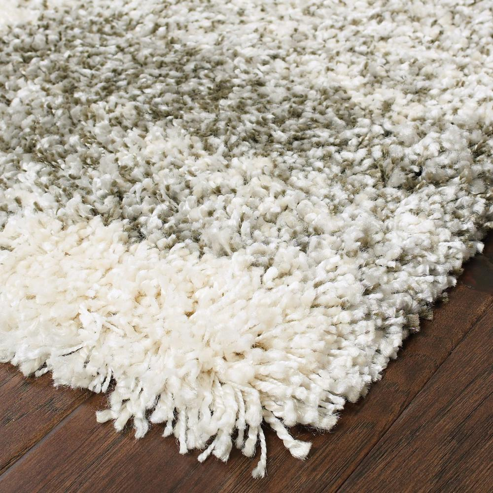 2' x 3' Gray and Ivory Geometric Pattern Scatter Rug - 387921. Picture 2