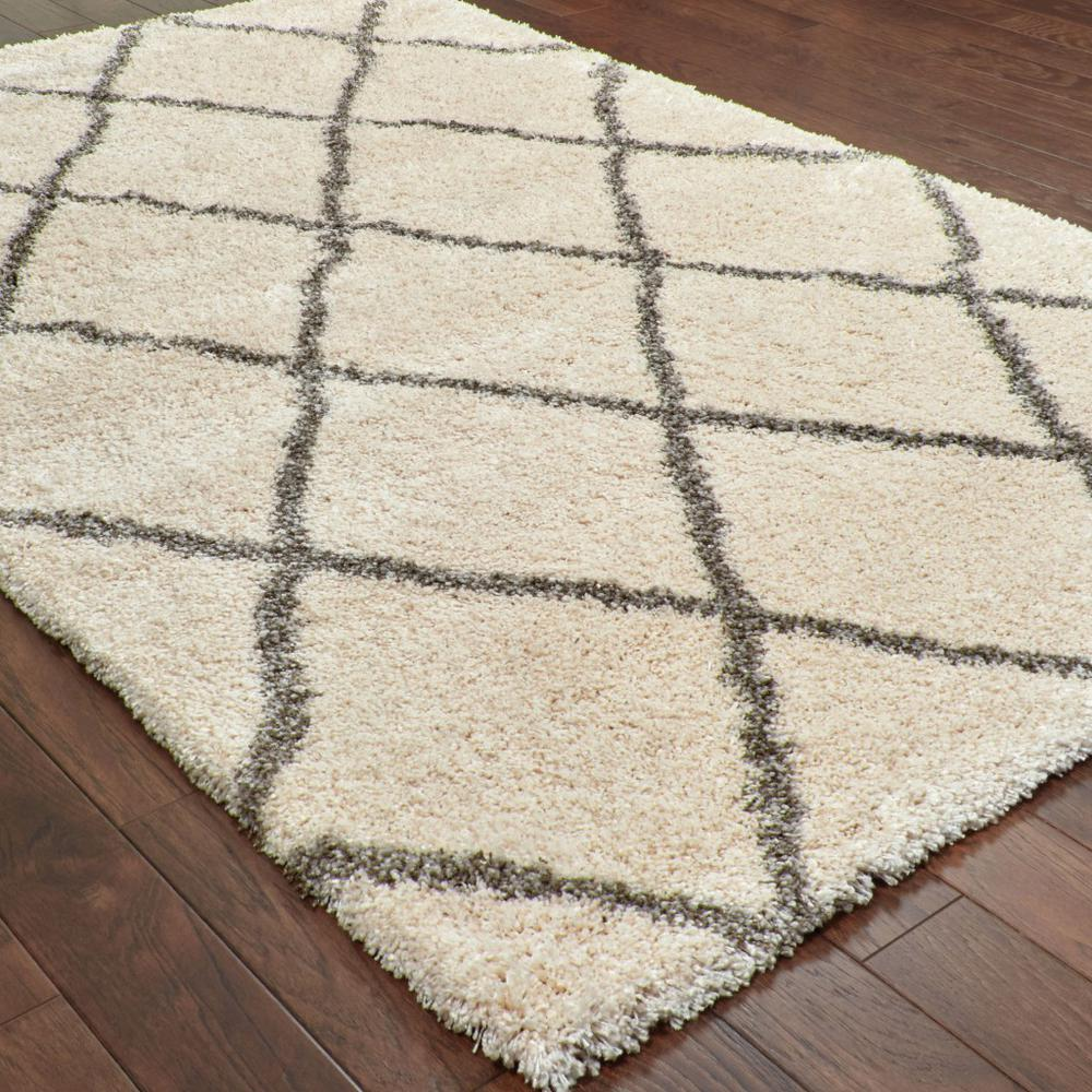 5' x 8' Ivory and Gray Geometric Lattice Area Rug - 387964. Picture 3