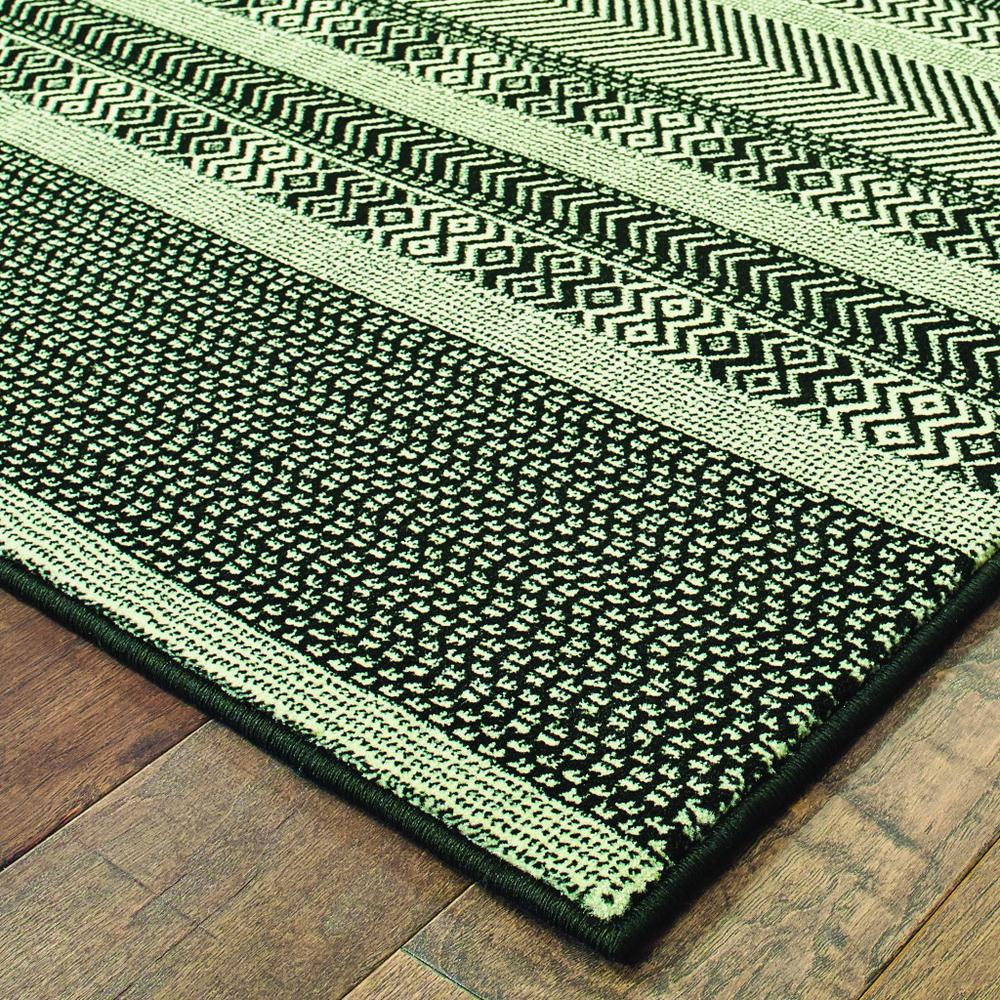 5' x 8' Black Ivory Machine Woven Geometric Indoor Area Rug - 388290. Picture 3