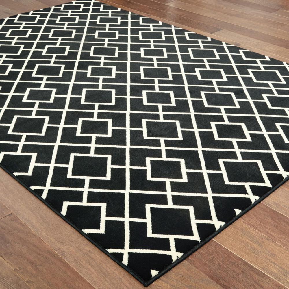 6' x 9' Black Ivory Machine Woven Geometric Diamonds Indoor Area Rug - 388414. Picture 3