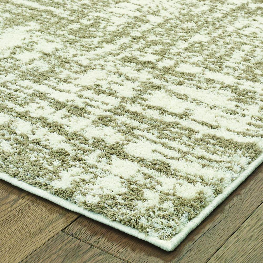4'x6' Ivory and Gray Abstract Strokes Area Rug - 388857. Picture 2