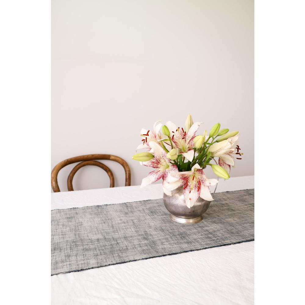 Set of Dark Blue Striped Table Runner and Eight Napkins - 389001. Picture 1