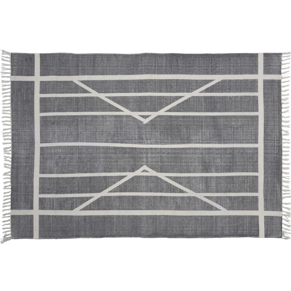 4' x 6' Gray and Cream Geometric Area Rug - 389087. Picture 1