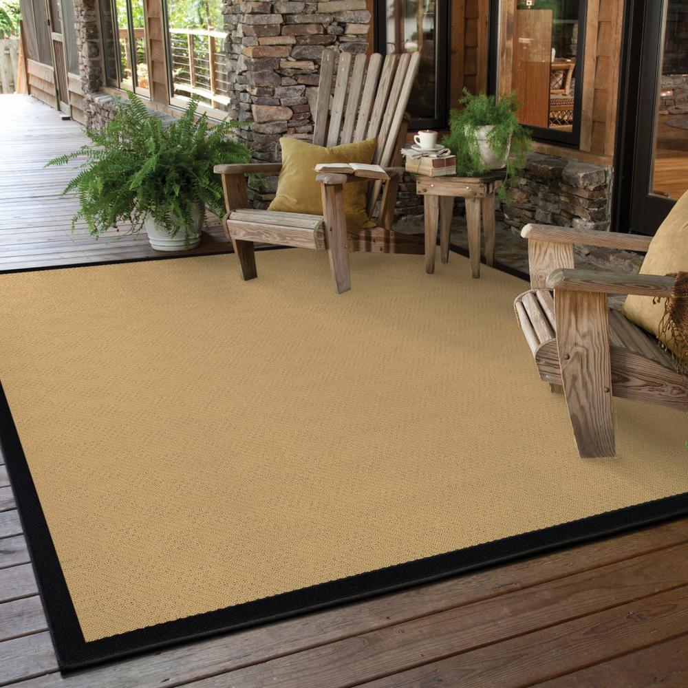 7'x11' Beige and Black Plain Indoor Outdoor Area Rug - 389502. Picture 2