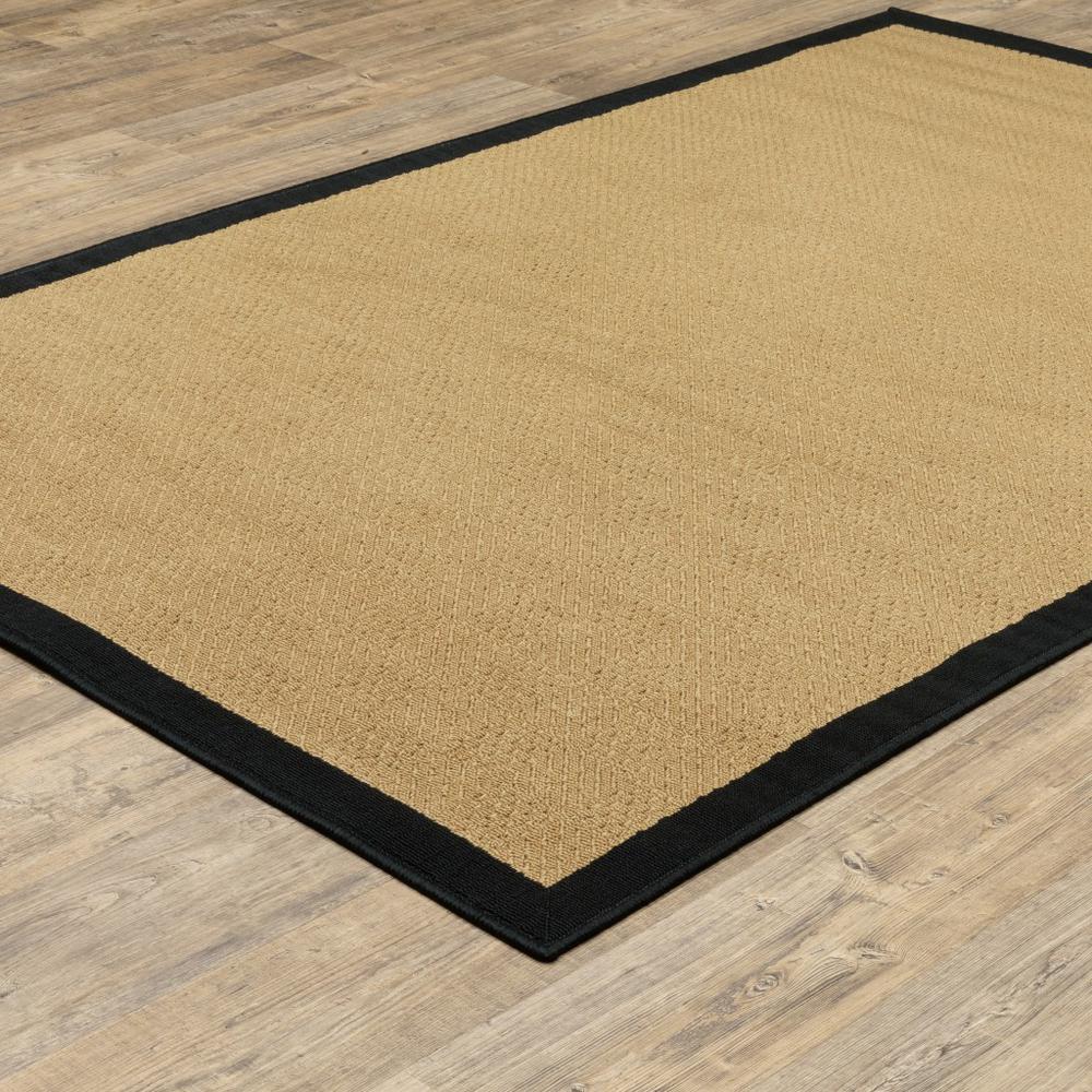 7'x11' Beige and Black Plain Indoor Outdoor Area Rug - 389502. Picture 4