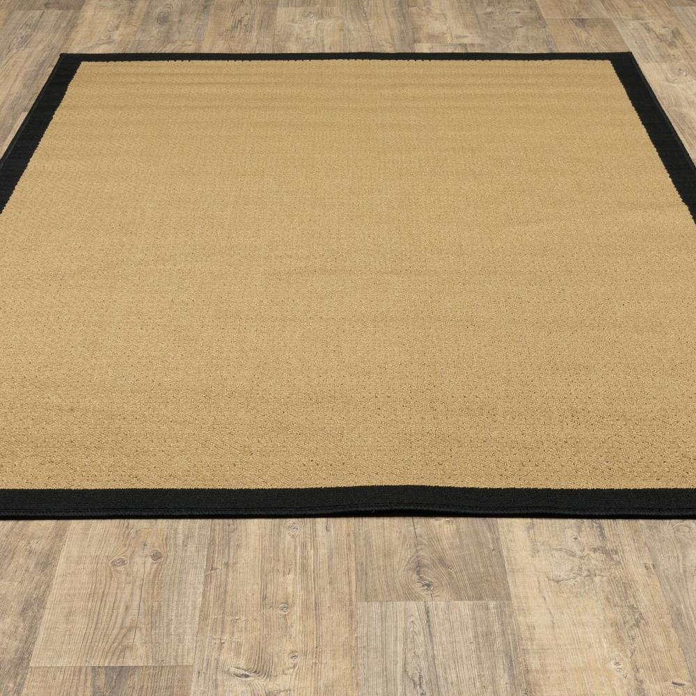 7'x11' Beige and Black Plain Indoor Outdoor Area Rug - 389502. Picture 5