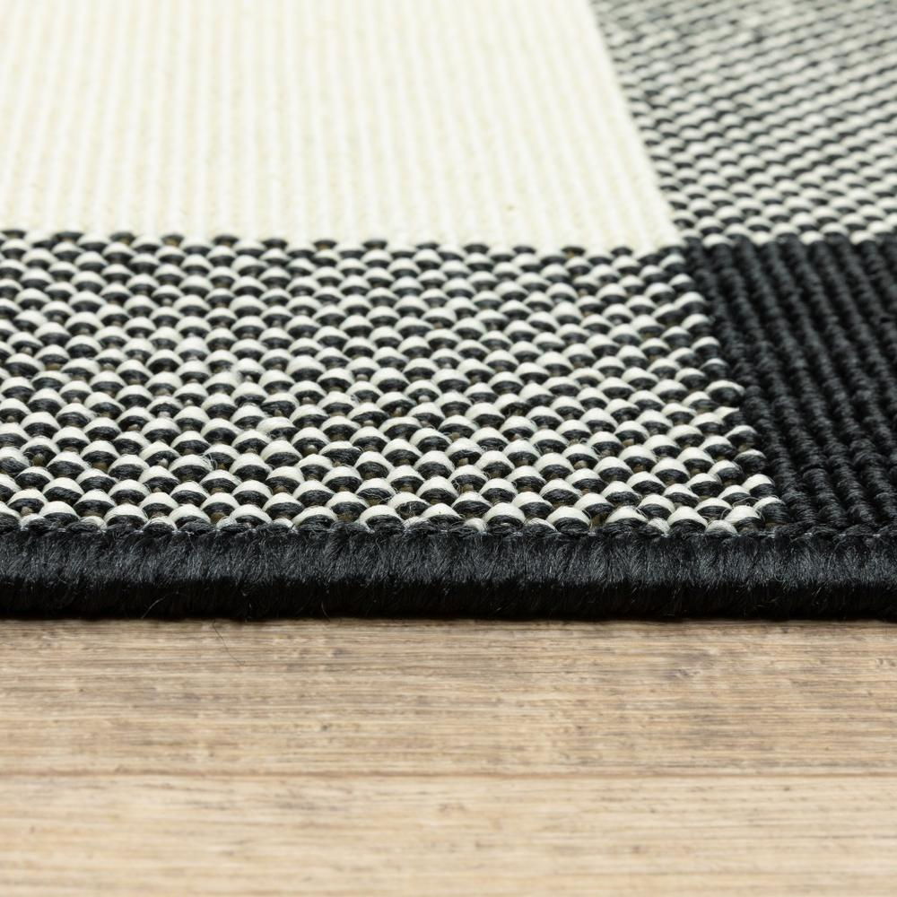 9'x13' Black and Ivory Gingham Indoor Outdoor Area Rug - 389523. Picture 4