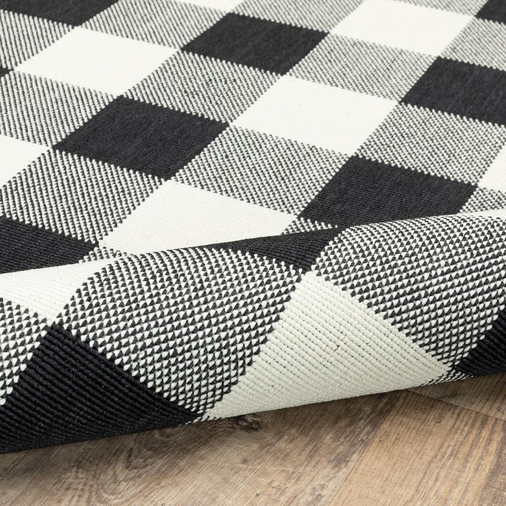 9'x13' Black and Ivory Gingham Indoor Outdoor Area Rug - 389523. Picture 5