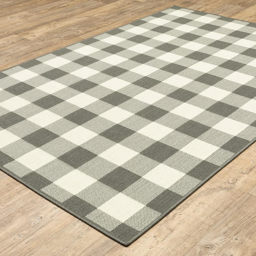 9'x13' Gray and Ivory Gingham Indoor Outdoor Area Rug - 389530. Picture 3