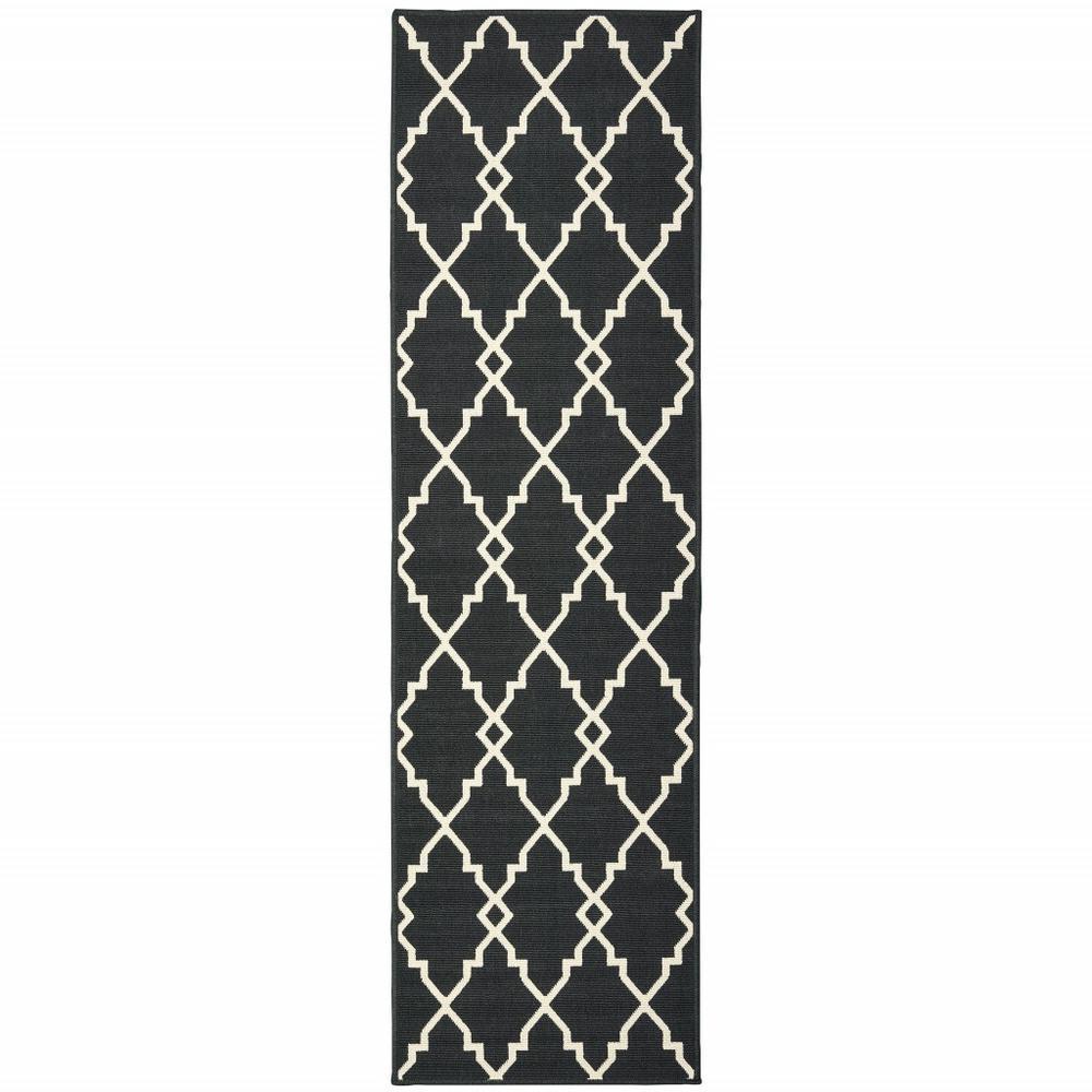 2'x8' Black and Ivory Trellis Indoor Outdoor Runner Rug - 389531. Picture 1