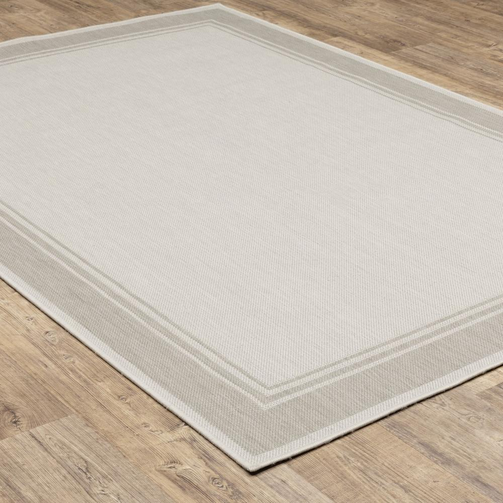 3'x5' Ivory and Gray Bordered Indoor Outdoor Area Rug - 389543. Picture 8