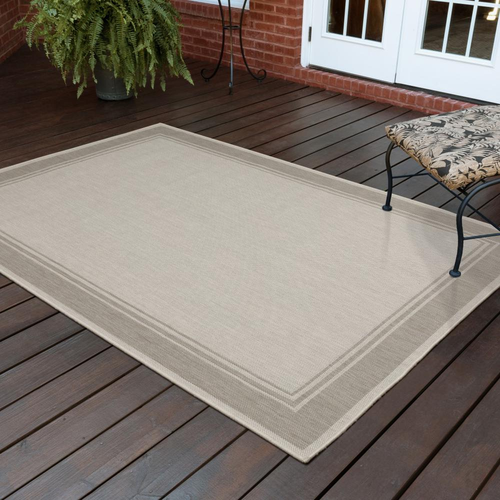 3'x5' Ivory and Gray Bordered Indoor Outdoor Area Rug - 389543. Picture 9