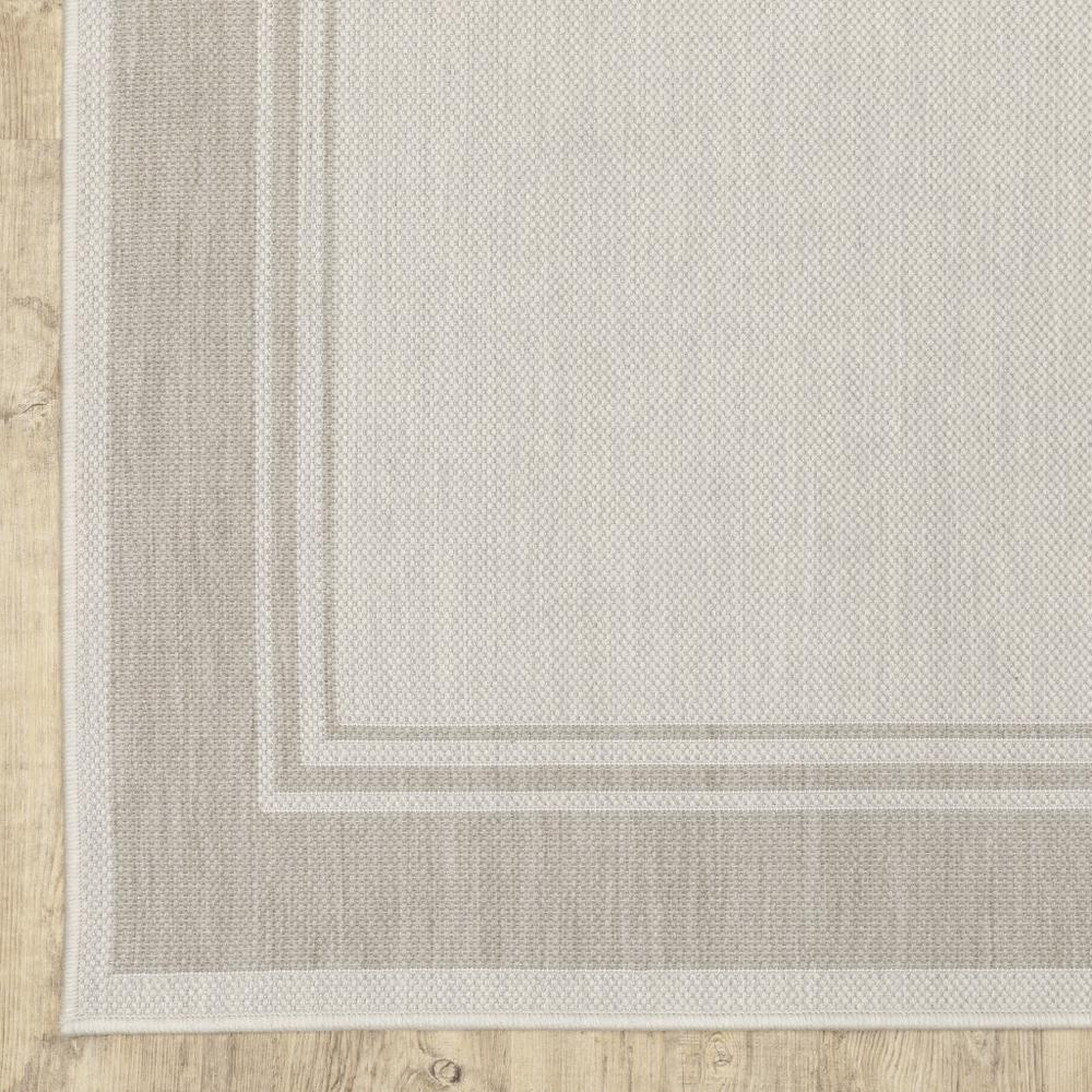 2'x7' Ivory and Gray Bordered Indoor Outdoor Runner Rug - 389628. Picture 4