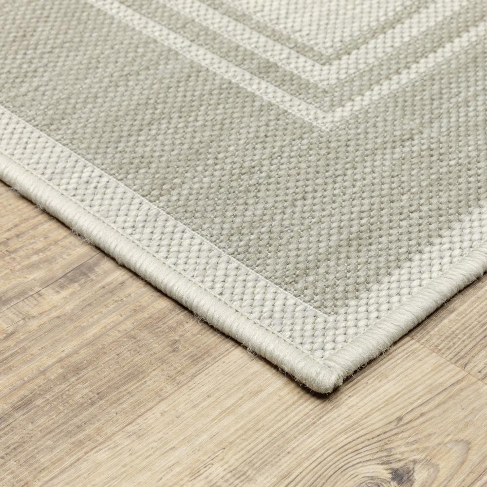 2'x7' Ivory and Gray Bordered Indoor Outdoor Runner Rug - 389628. Picture 5