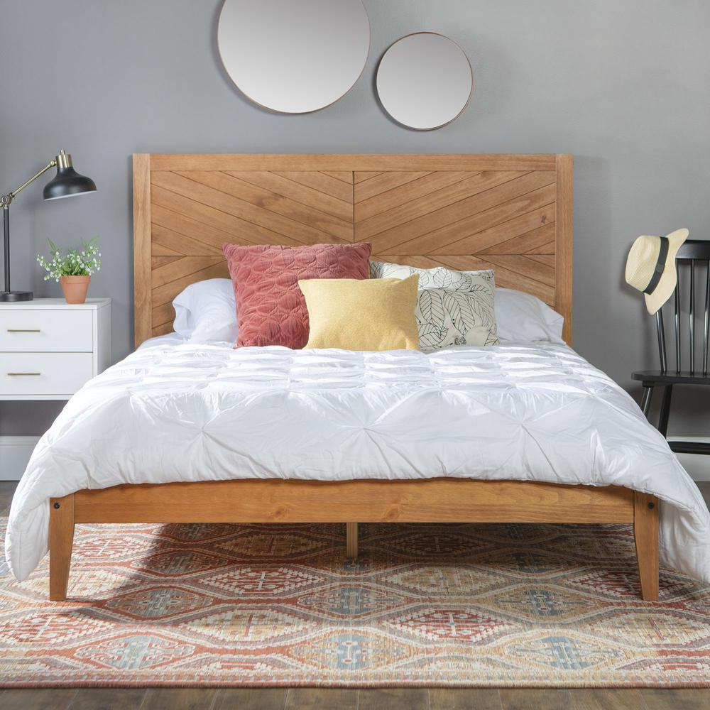 Solid Pine Wood Queen Chevron Bed - Caramel. Picture 2