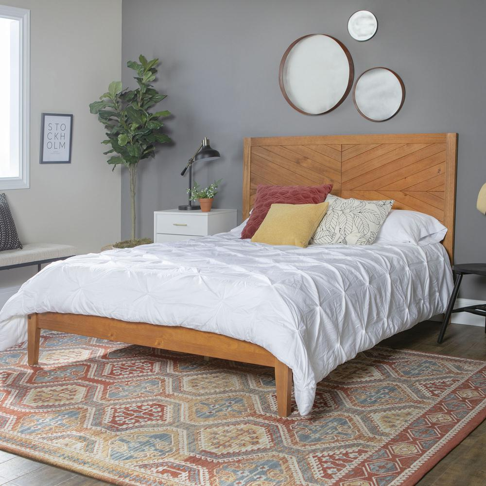Solid Pine Wood Queen Chevron Bed - Caramel. Picture 1