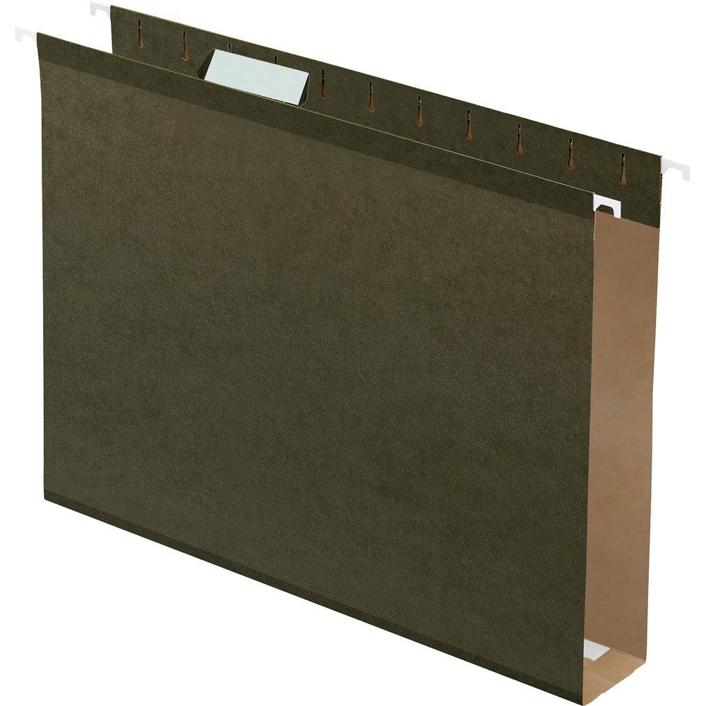"Pendaflex Letter Recycled Hanging Folder - 2"" Folder Capacity - 8 1/2"" x 11"" - Folder - Standard Green - 10% - 25 / Box. Picture 1"