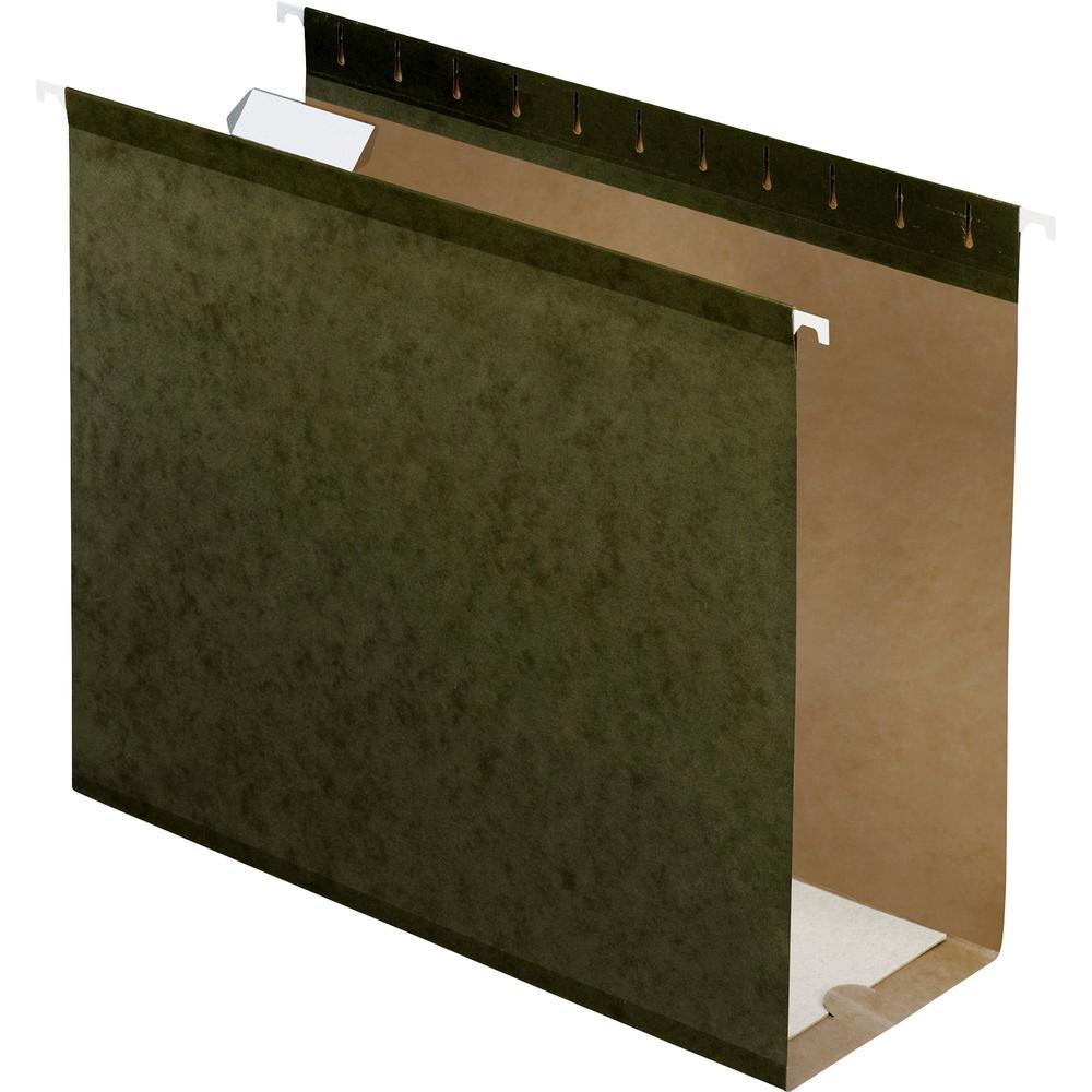 "Pendaflex Letter Recycled Hanging Folder - 4"" Folder Capacity - 8 1/2"" x 11"" - Folder - Pressboard - Standard Green - 10% - 25 / Box. Picture 1"