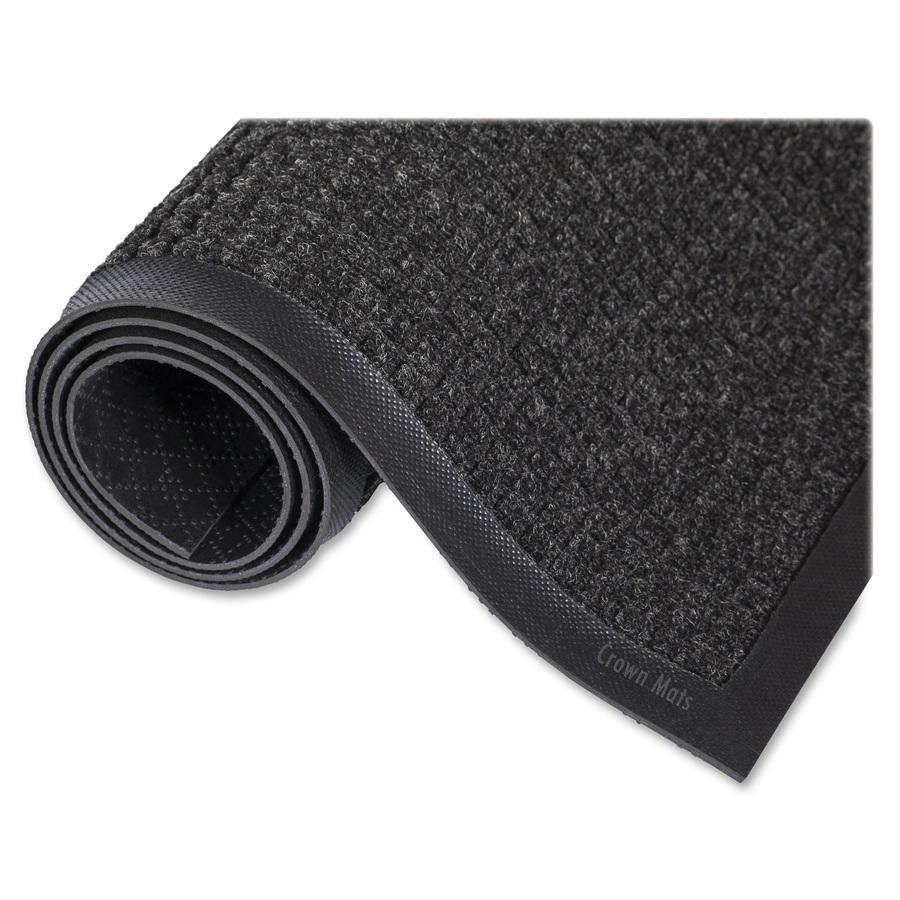 "Crown Mats Super-Soak Wiper Scraper Mat - Floor - 68"" Length x 45"" Width x 0.38"" Thickness - Rectangle - Rubber, Polypropylene - Charcoal. Picture 2"