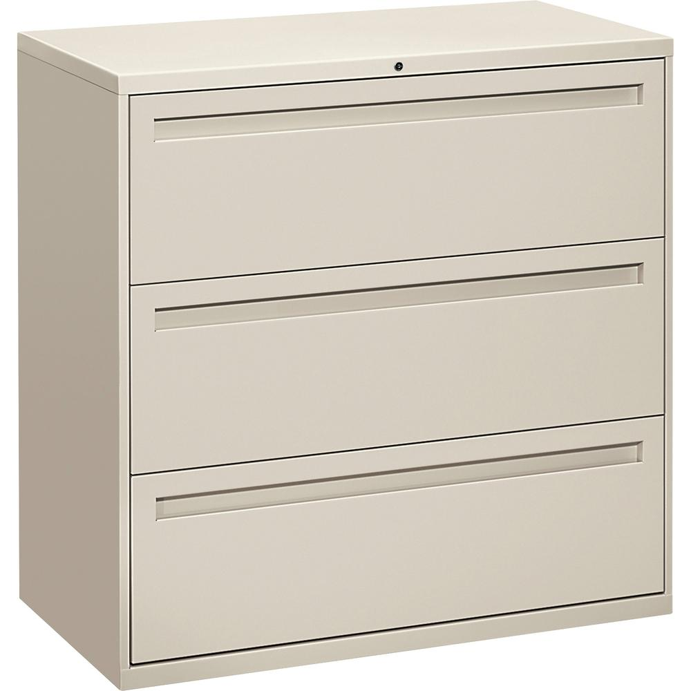 "HON Brigade 700 Series 3-Drawer Lateral - 42"" x 18"" x 39.1"" - 3 x Drawer(s) for File - A4, Legal, Letter - Lateral - Interlocking, Label Holder, Leveling Glide, Ball-bearing Suspension - Light Gray - . Picture 5"